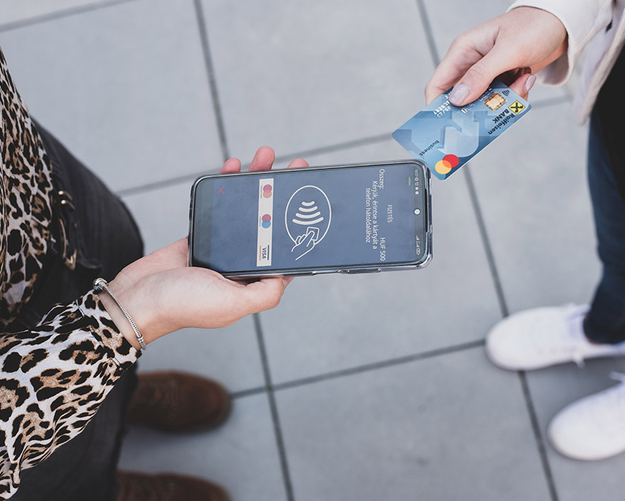 Költöztesd a bankkártya-elfogadást a mobilodra.