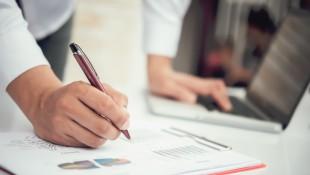 Gyorsan fizető ügyfelek és minimális kintlévőségek? Te is tehetsz érte!