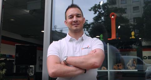 Egy vállalkozás a 3D nyomtatók fejlődésének támogatására